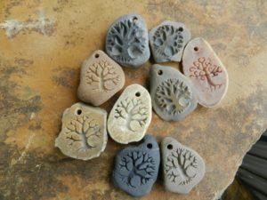 оберег на камне