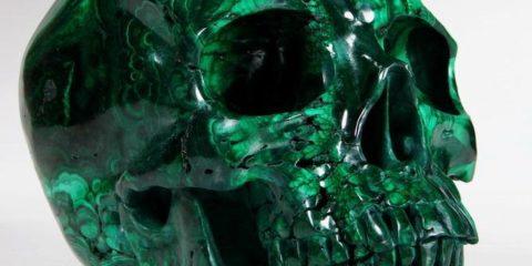 череп из малахита
