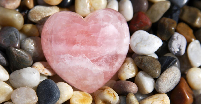 камни привлекающие любовь