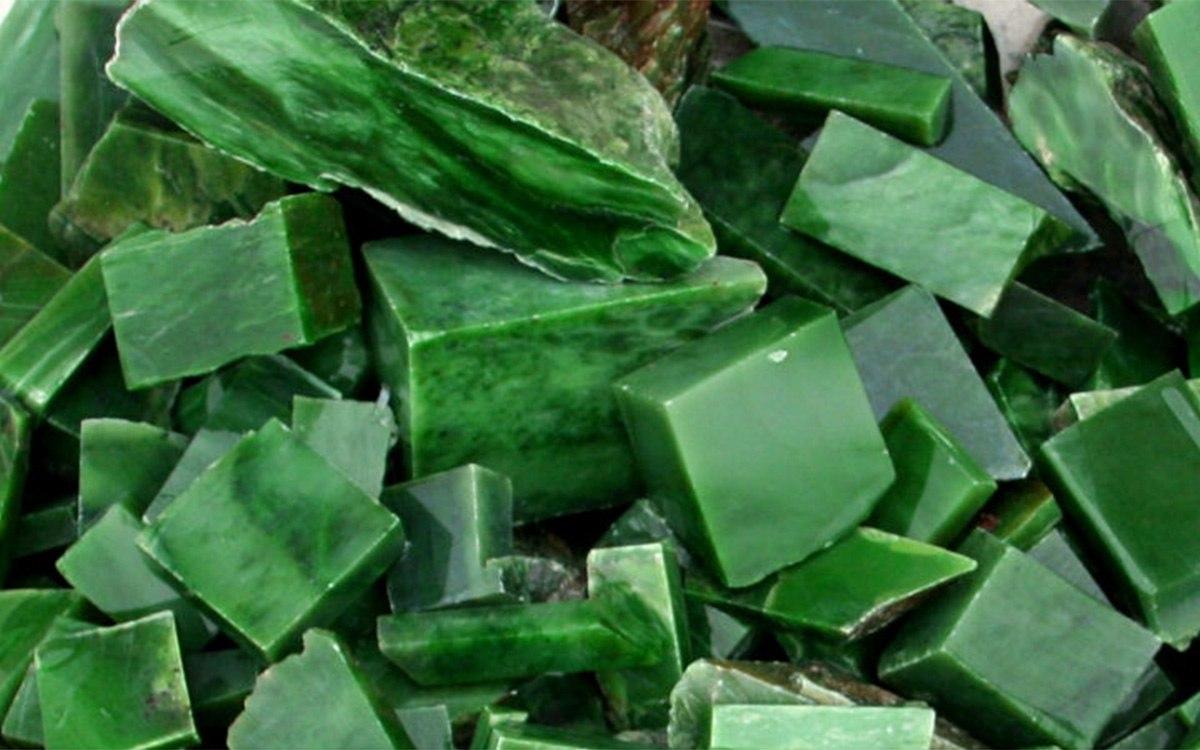 свойства камня нефрит