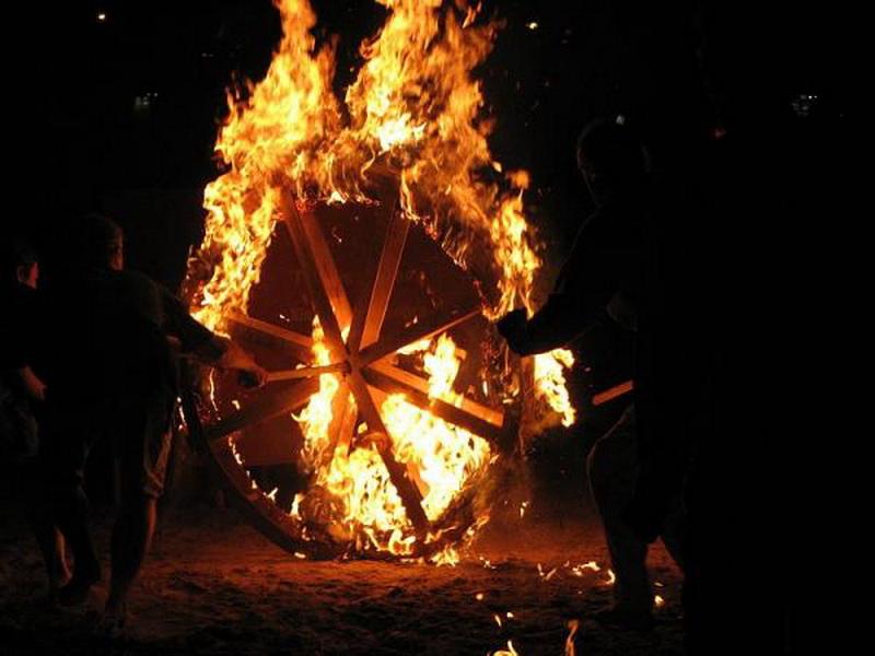 запуск огненного колеса на купало
