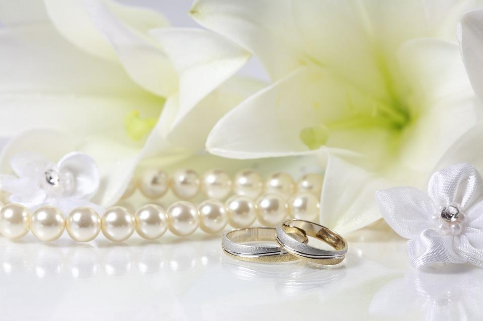 белый жемчуг символ верности