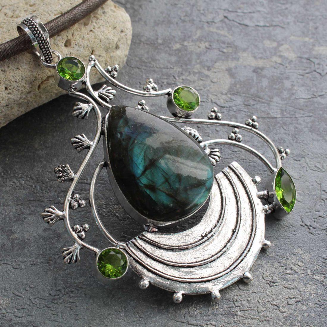 Лабрадор — камень «северное сияние». Магические и лечебный свойства, кому подходит по знаку зодиака