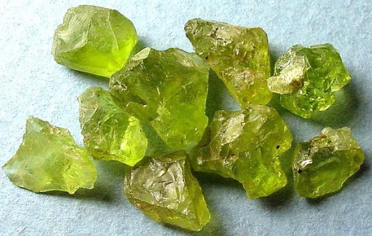 хризолит минерал